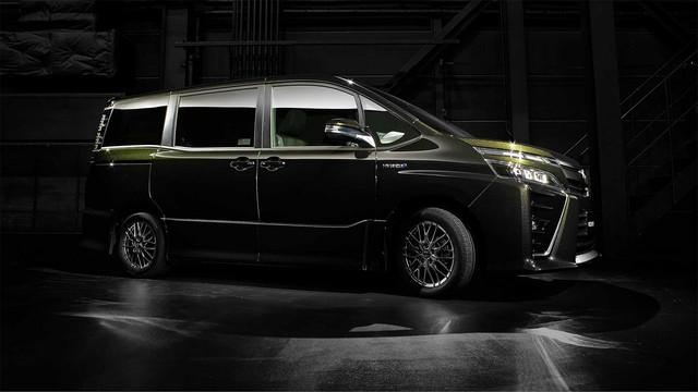 Mẫu MPV mới sắp ra mắt Đông Nam Á của Toyota bị bắt gặp trên đường phố - Ảnh 5.