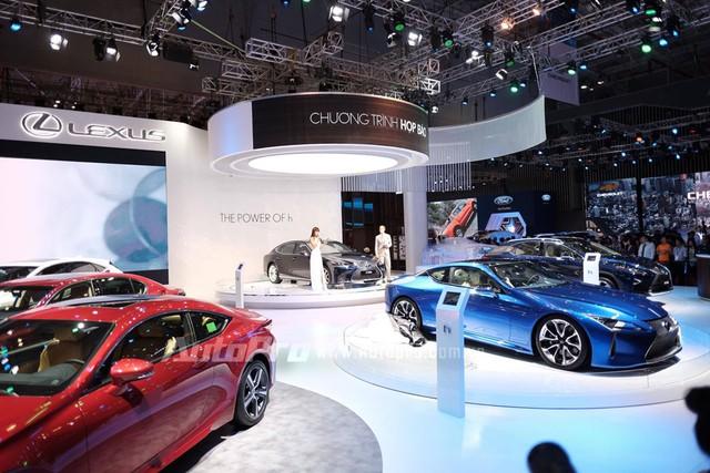 Trực tiếp: Lexus mang bộ 3 hàng nóng đến triển lãm VMS 2017 - Ảnh 2.