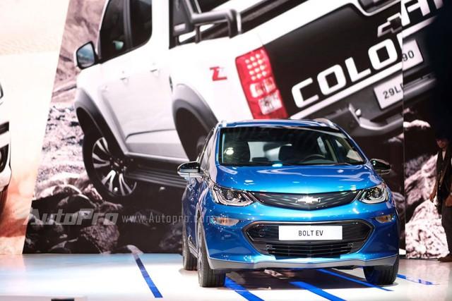 Trực tiếp: Chevrolet giới thiệu Bolt xe xanh nhất năm 2017 - SUV Trailblazer khiêu chiến Toyota Fortuner - Ảnh 3.