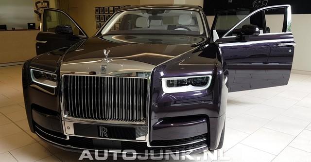 Xe siêu sang Rolls-Royce Phantom 2018 đã có mặt tại đại lý - Ảnh 1.