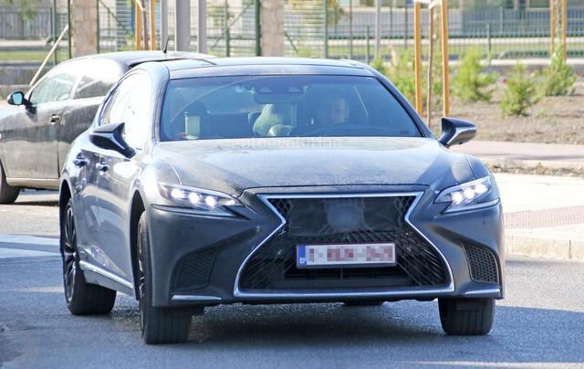 Chiếc xe sang Lexus LS 2019 bí ẩn xuất hiện trên đường thử - Ảnh 2.