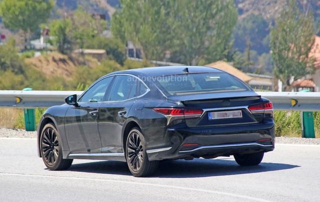 Chiếc xe sang Lexus LS 2019 bí ẩn xuất hiện trên đường thử - Ảnh 3.