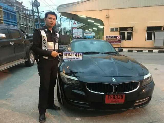 Nữ khách hàng tố cửa hàng rửa xe bán chiếc BMW Z4 của mình - Ảnh 3.