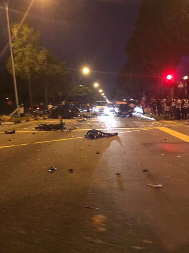 Lao sang làn đường ngược chiều và lật ngửa, ô tô khiến một người đi xe máy tử vong - Ảnh 3.