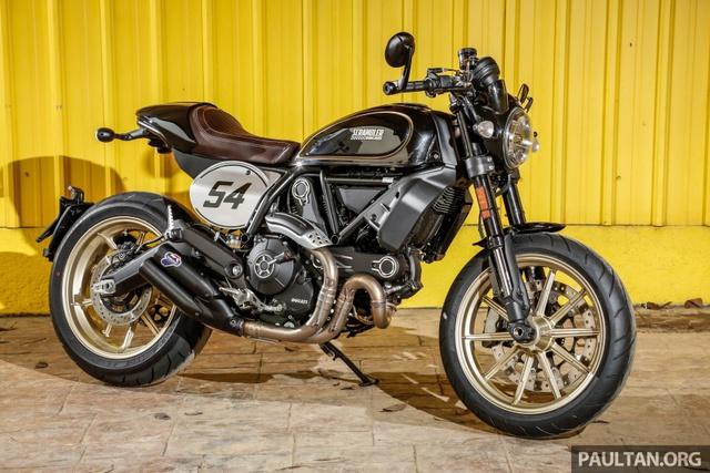 Sau Việt Nam, Ducati mang cặp đôi Scrambler Desert Sled và Café Racer đến Malaysia - Ảnh 3.