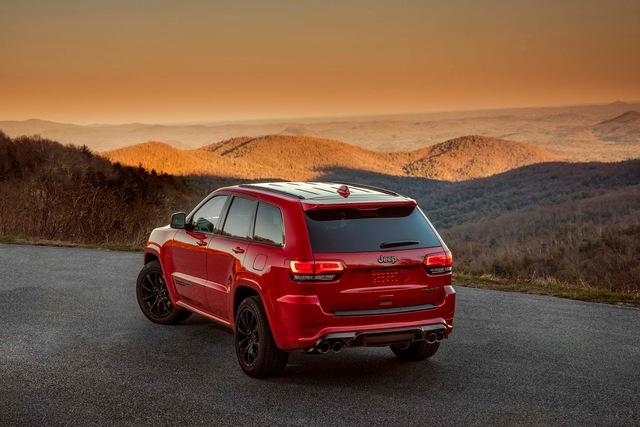Jeep Grand Cherokee Trackhawk 2018 - xe SUV thương mại mạnh nhất thế giới - được chốt giá - Ảnh 13.