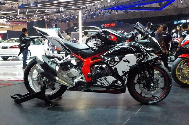 Honda CBR250RR phiên bản đặc biệt mới được vén màn, giá từ 120,6 triệu Đồng - Ảnh 3.