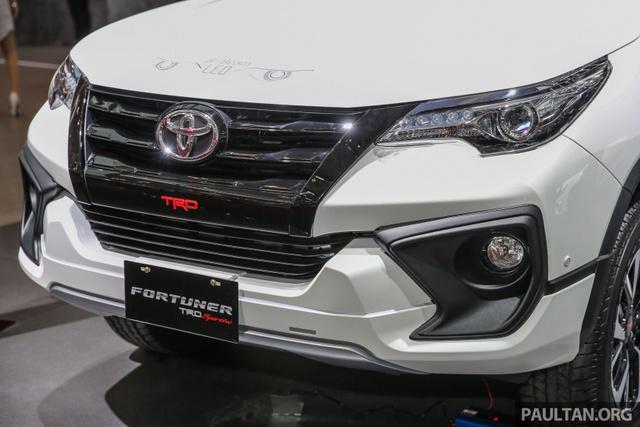 Toyota Fortuner TRD Sportivo 2017 ra mắt Đông Nam Á với giá từ 897 triệu Đồng - Ảnh 3.
