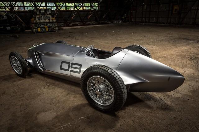 Infiniti Prototype 9 - Ô tô đời mới nhưng giống hệt xế cổ - Ảnh 5.