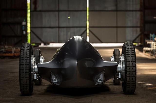 Infiniti Prototype 9 - Ô tô đời mới nhưng giống hệt xế cổ - Ảnh 6.