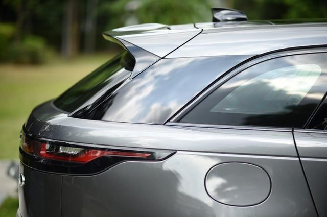 SUV hạng sang Range Rover Velar ra mắt Đông Nam Á với giá từ 4,1 tỷ Đồng - Ảnh 2.
