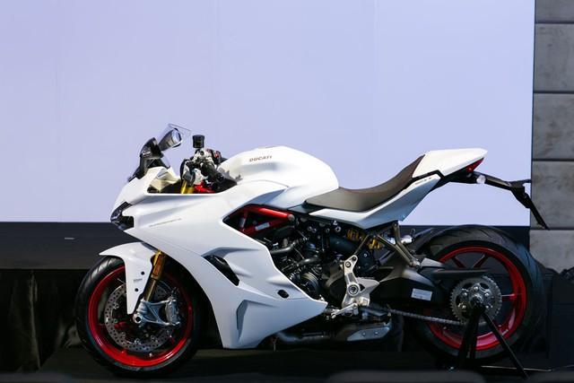Mô tô thể thao Ducati SuperSport 2017 cập bến Đông Nam Á với giá 382 triệu Đồng - Ảnh 2.
