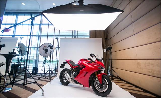Mô tô thể thao Ducati SuperSport 2017 cập bến Đông Nam Á với giá 382 triệu Đồng - Ảnh 3.