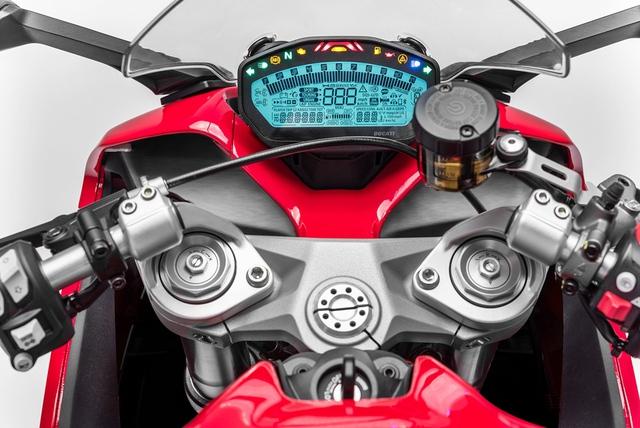 Mô tô thể thao Ducati SuperSport 2017 cập bến Đông Nam Á với giá 382 triệu Đồng - Ảnh 7.
