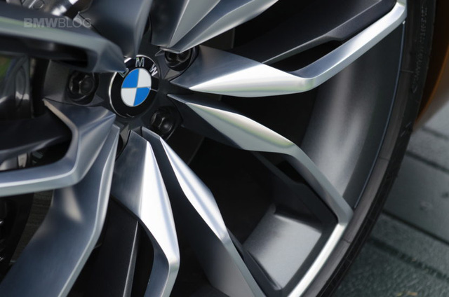 Chiêm ngưỡng vẻ đẹp của BMW Z4 Concept ngoài đời thực - Ảnh 8.