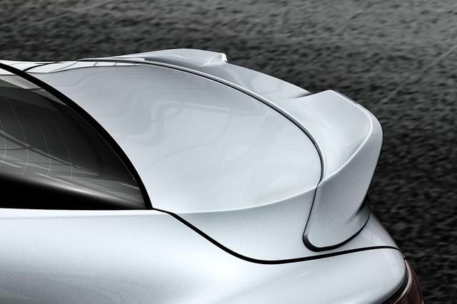 Chi tiết Toyota Camry 2018 phiên bản hầm hố hơn với gói phụ kiện TRD chính hãng - Ảnh 2.