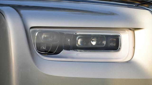 Mãn nhãn với những hình ảnh bằng xương, bằng thịt của xe nhà giàu Rolls-Royce Phantom 2018 - Ảnh 3.