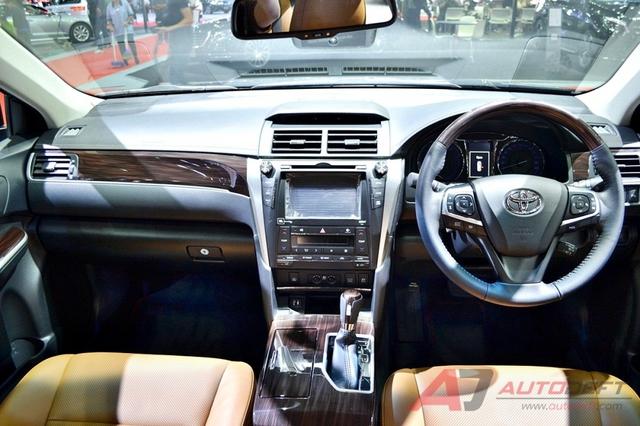 Toyota Camry 2017 được vén màn tại Đông Nam Á với trang bị tốt hơn - Ảnh 5.