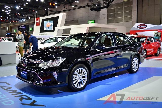 Toyota Camry 2017 được vén màn tại Đông Nam Á với trang bị tốt hơn - Ảnh 2.