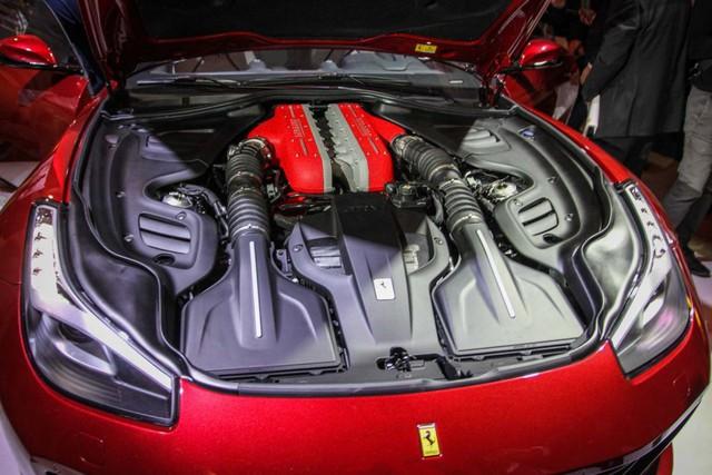 Sao bóng rổ gây choáng khi cho con trai 15 tuổi tập lái bằng siêu xe Ferrari GTC4Lusso - Ảnh 4.
