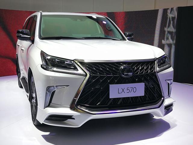 Chuyên cơ mặt đất Lexus LX570 Superior chính thức ra mắt châu Á, giá từ 5 tỷ Đồng - Ảnh 1.