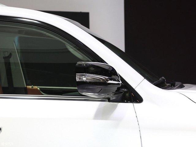 Chuyên cơ mặt đất Lexus LX570 Superior chính thức ra mắt châu Á, giá từ 5 tỷ Đồng - Ảnh 3.