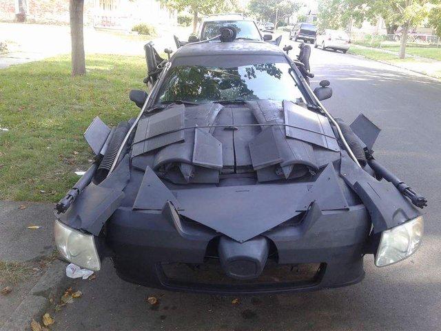 Dân chơi biến Toyota Camry thành xe Batmobile của Người Dơi - Ảnh 1.