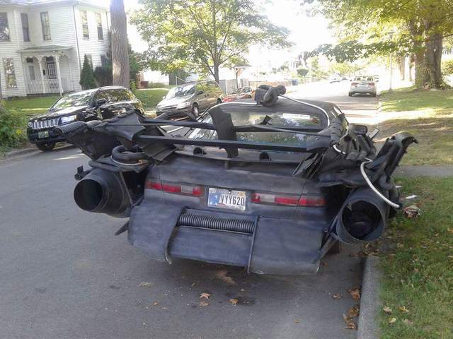 Dân chơi biến Toyota Camry thành xe Batmobile của Người Dơi - Ảnh 3.