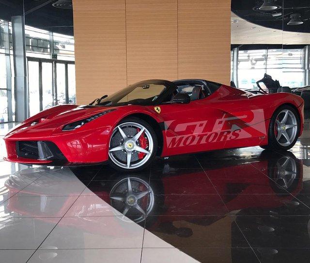 Cô nàng tóc vàng khiến bao người phát hờn khi được đập hộp Ferrari LaFerrari Aperta giá 7,3 triệu USD - Ảnh 3.