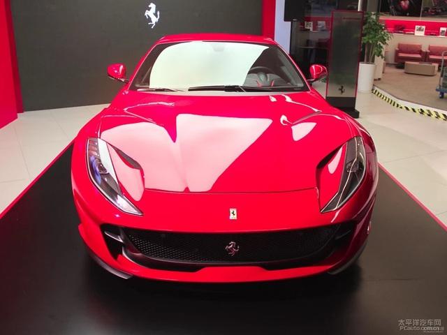 Siêu xe Ferrari 812 Superfast cập bến châu Á với giá 18,4 tỷ Đồng - Ảnh 3.