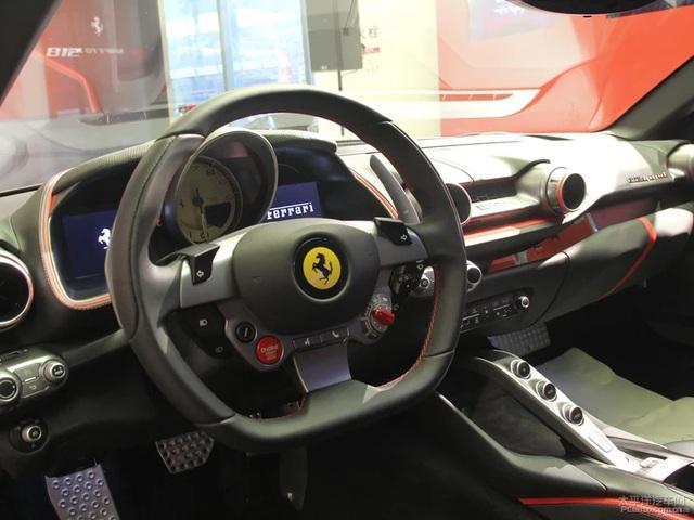Siêu xe Ferrari 812 Superfast cập bến châu Á với giá 18,4 tỷ Đồng - Ảnh 10.