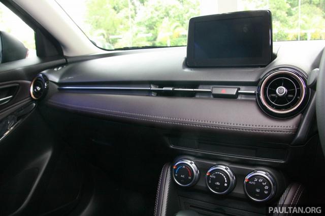 Mazda2 2017 tiếp tục ra mắt Đông Nam Á với giá 466 triệu Đồng - Ảnh 10.