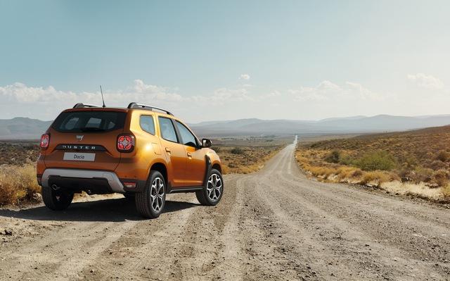 Hé lộ những hình ảnh đầu tiên của SUV giá rẻ Dacia Duster 2018 - Ảnh 3.