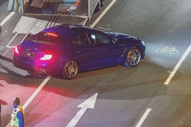 Lần đầu bắt gặp sedan thể thao Genesis G70 trên đường phố - Ảnh 1.