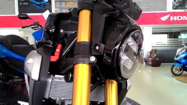 Naked bike khiến người Việt phát thèm Honda CB150R ExMotion đã xuất hiện tại đại lý - Ảnh 7.