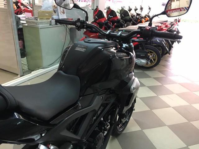 Lần đầu nghe tiếng pô của naked bike Honda CB150R ExMotion mới ra mắt - Ảnh 7.
