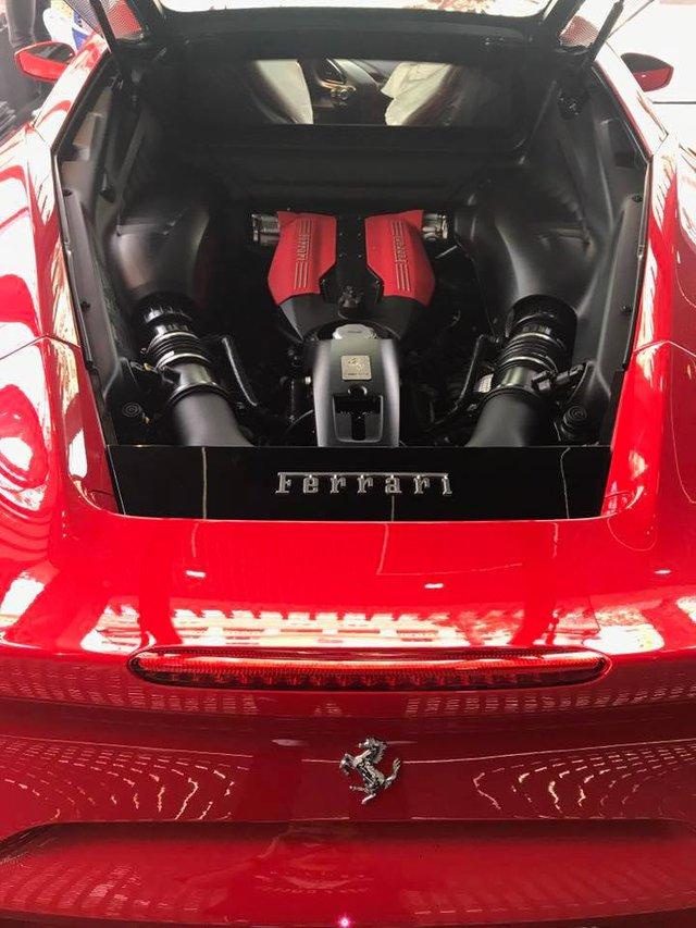 Ca sỹ Tuấn Hưng chịu chơi khi tậu siêu xe Ferrari 488 GTB đỏ rực - Ảnh 4.