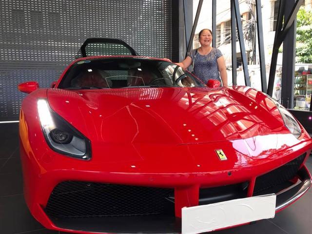 Ca sỹ Tuấn Hưng chịu chơi khi tậu siêu xe Ferrari 488 GTB đỏ rực - Ảnh 2.