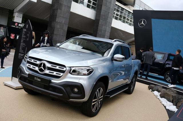 Mercedes-Benz mở bán SUV hạng sang X-Class tại triển lãm Frankfurt 2017 - Ảnh 2.