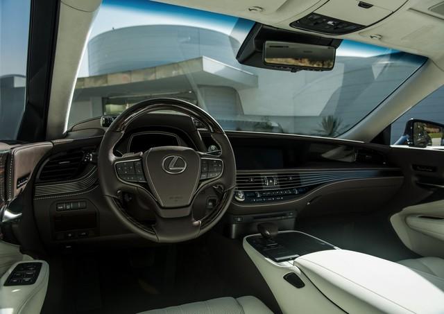 Sedan hạng sang cỡ lớn Lexus LS500 2018 dự kiến có giá khởi điểm 76.000 USD - Ảnh 3.