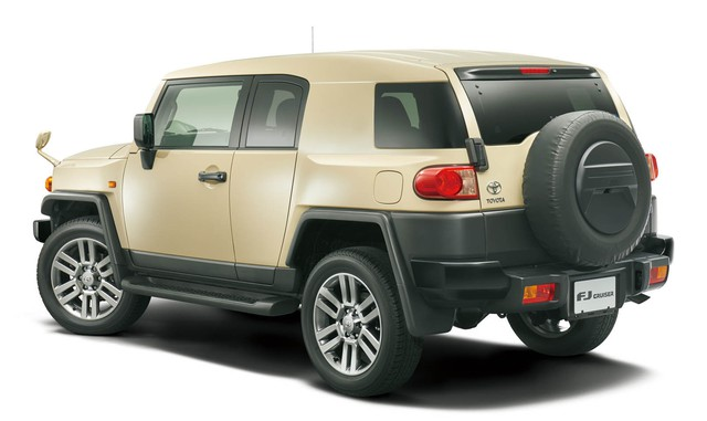 Xe bán tải Toyota Hilux quay trở về quê nhà Nhật Bản sau 13 năm vắng bóng - Ảnh 3.