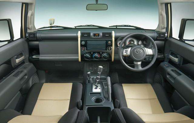 Xe bán tải Toyota Hilux quay trở về quê nhà Nhật Bản sau 13 năm vắng bóng - Ảnh 4.