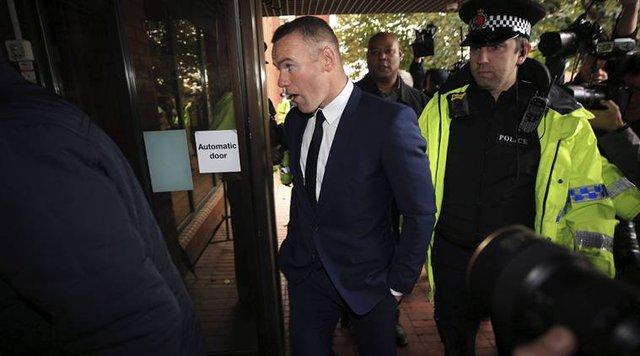 Sau khi suýt bị vợ ly hôn, Wayne Rooney còn phải tạm biệt những chiếc xế cưng trong 2 năm tới - Ảnh 1.
