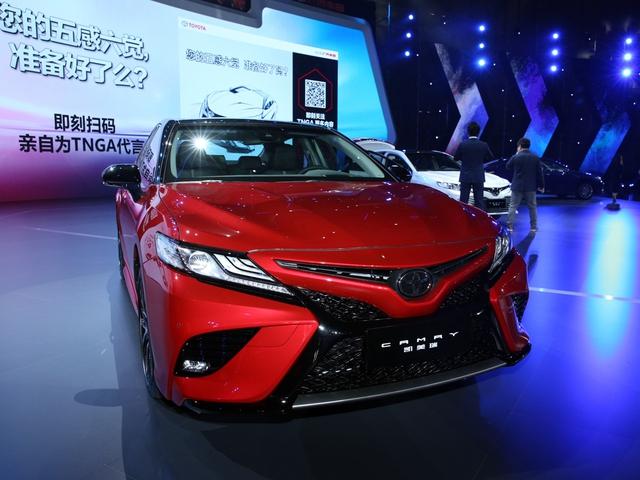 Xe hot Toyota Camry 2018 ra mắt sớm trong hội nghị đại lý - Ảnh 2.