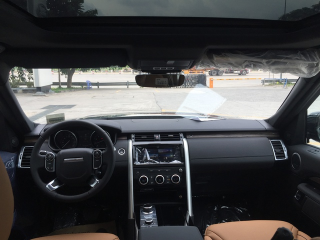 Lộ ảnh SUV hạng sang Land Rover Discovery thế hệ thứ 5 cập bến Việt Nam - Ảnh 4.