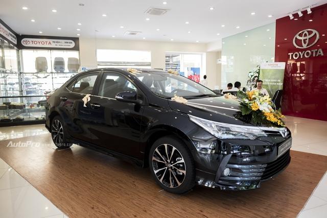 Đắt hơn 166 triệu Đồng so với Mazda3, Toyota Corolla Altis 2.0V Sport có gì để cạnh tranh? - Ảnh 3.