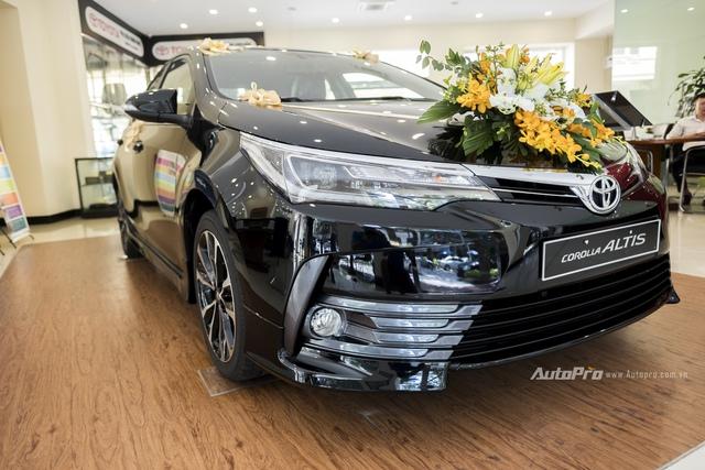 Đắt hơn 166 triệu Đồng so với Mazda3, Toyota Corolla Altis 2.0V Sport có gì để cạnh tranh? - Ảnh 4.