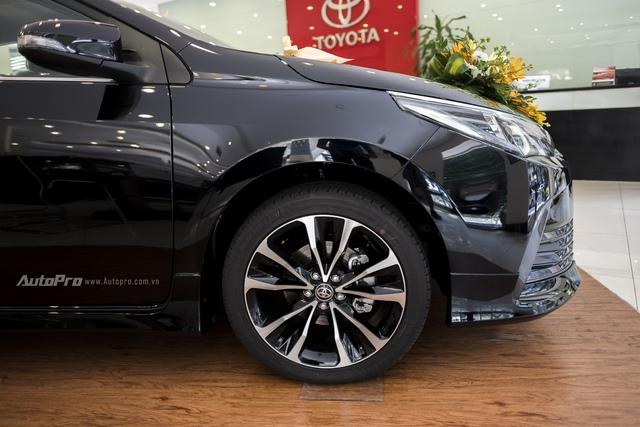 Đắt hơn 166 triệu Đồng so với Mazda3, Toyota Corolla Altis 2.0V Sport có gì để cạnh tranh? - Ảnh 5.
