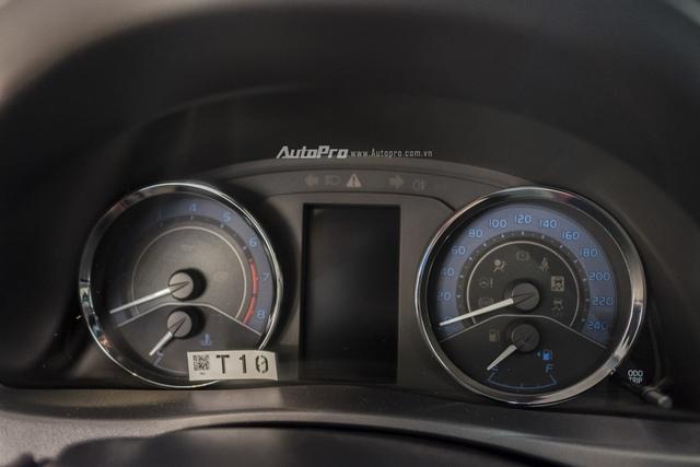 Đắt hơn 166 triệu Đồng so với Mazda3, Toyota Corolla Altis 2.0V Sport có gì để cạnh tranh? - Ảnh 10.