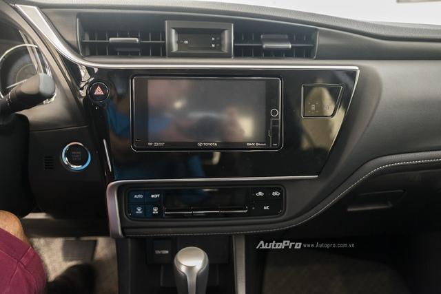 Đắt hơn 166 triệu Đồng so với Mazda3, Toyota Corolla Altis 2.0V Sport có gì để cạnh tranh? - Ảnh 13.